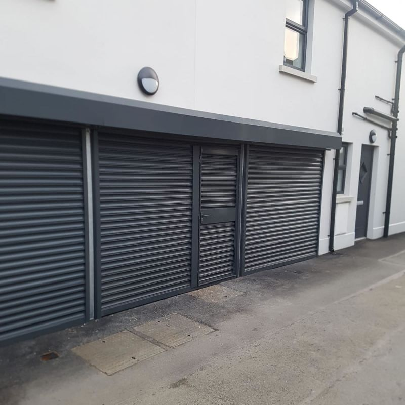 Commercial roller doors